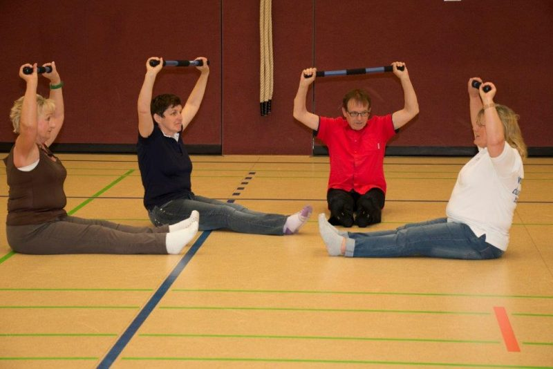 Turnhalle | Training | Rückentraining | Zeitung