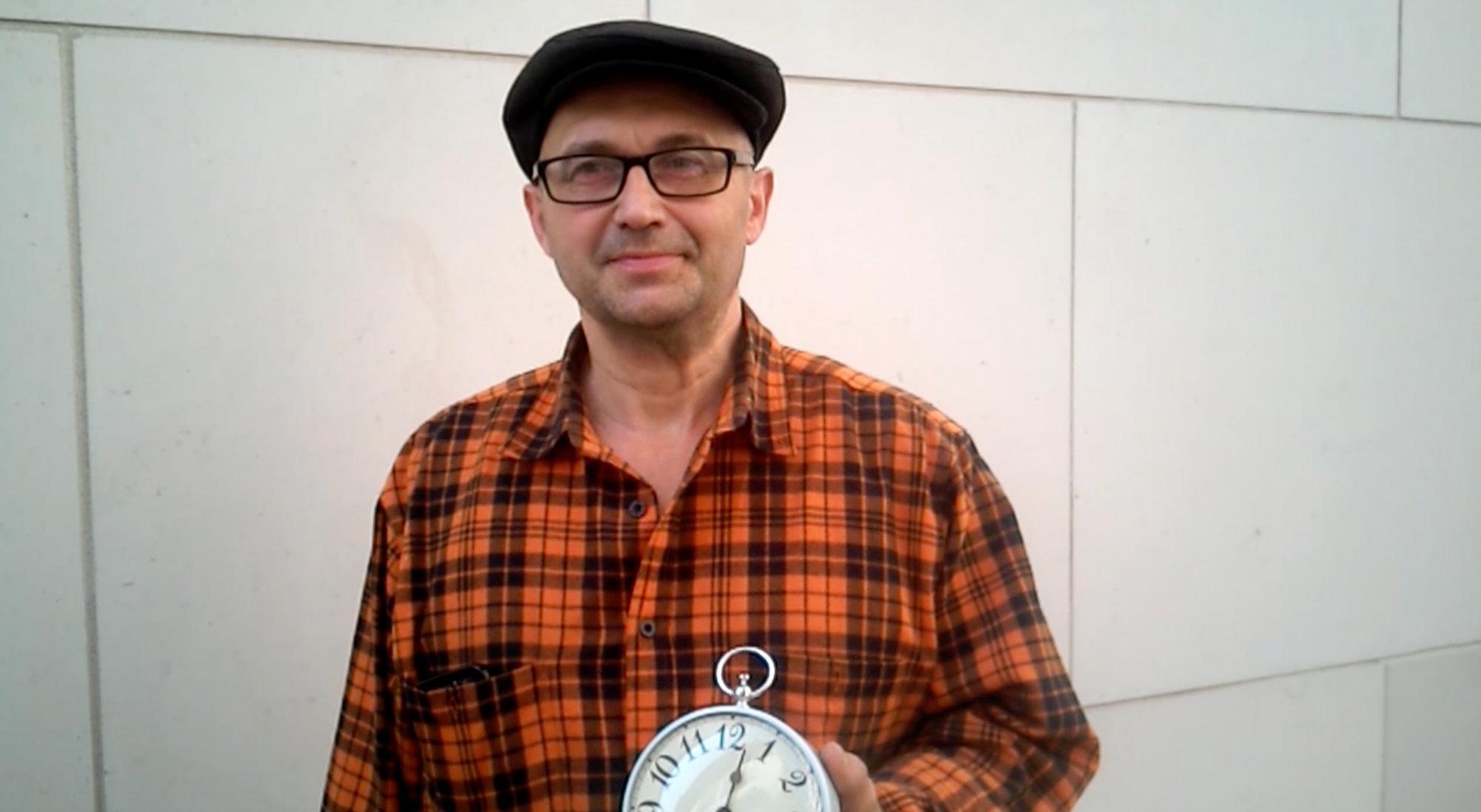 Wecker | Zeitung | Uhr | Arbeit